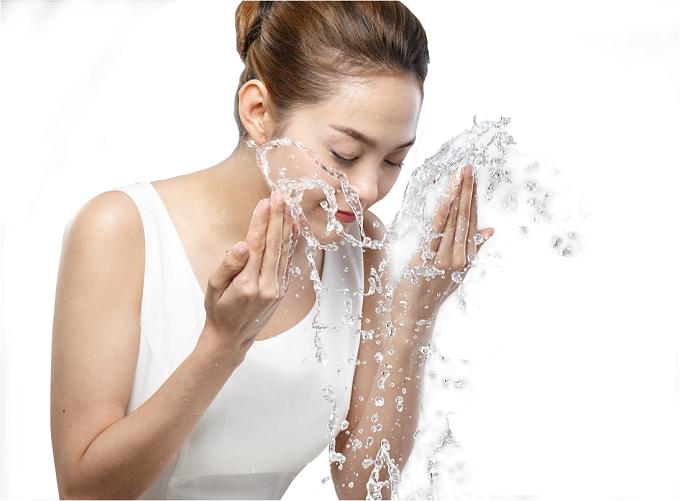 Làm sạch da với dầu tẩy trang